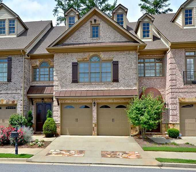 Gated Townhome Community In Johns Creek